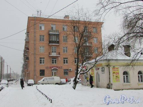 улица Васенко, дом 3, литера А. Торец жилого дома со стороны переулка Усыскина. Фото 26 февраля 2018 года.