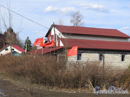 Лыжная ул. (Токсово), д. 25. Сельский жилой дом. Общий вид. фото апрель 2016 г.