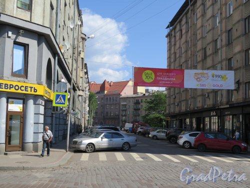 Ушакова ул. (Выборг). Вид улицы с ул. Северной к Вокзальной ул. фото июнь 2016 г.