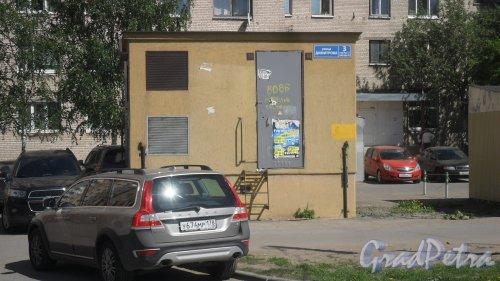 Улица Димитрова, дом 3, корпус 2, литер А. Трансформаторная подстанция. Фото 24 мая 2018 года.
