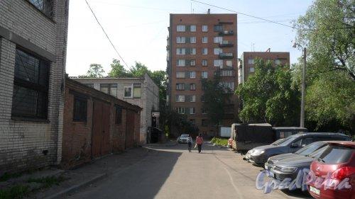 Будапештская улица, дом 51. 5-этажный жилой дом серии 1-528кп40 1967 года постройки. 1парадная, 45 квартир. Фото 27 мая 2018 года.