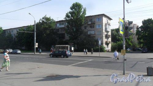 Будапештская улица, дом 56. 5-этажный жилой дом серии 1ЛГ-502-6 1966 года постройки. 6 парадных, 90 квартир. Фото 27 мая 2018 года.