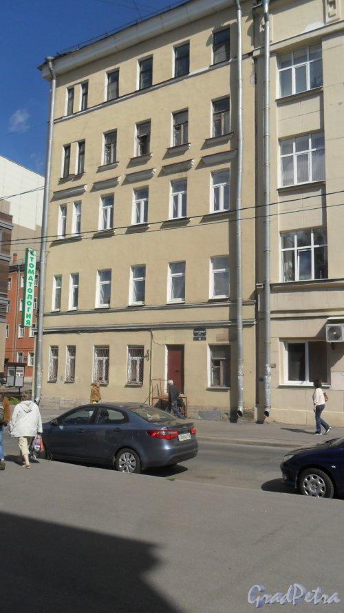 Воронежская улица, дом 40. 5-этажный жилой дом 1902 года постройки, год проведения реконструкции 1982. 1 парадная, 9 квартир. Фото 31 мая 2018 года.