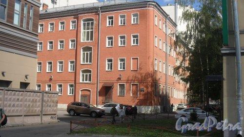 Воронежская улица, дом 38. Дом для бедных и бани М. Н. Кобызева (1881-1882), архитектор П. Ю. Сюзор, Фото 31 мая 2018 года.