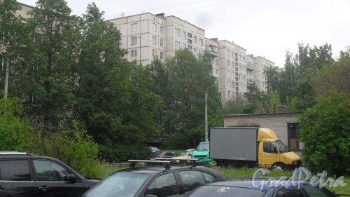 Улица Димитрова, дом 16, корпус 3. 9-этажный жилой дом серии 1-ЛГ606-4 1972 года постройки. 4 парадные, 208 квартир. Фото 11 июня 2018 года.