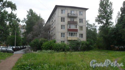 Улица Димитрова, дом 16, корпус 2, литер А. 5-этажный жилой дом серии 1-ЛГ-502В-6 1972 года постройки. 6 парадных, 89 квартир. Фото 11 июня 2018 года.